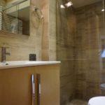 5) 1st bathroom (1)